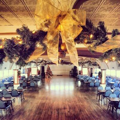 Belle of Louisville | Christmas Decor